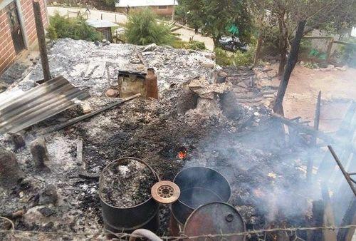 Habitantes_dijeron_que_la_agresion_fue_contra_la_familia_Barragan_y_que_MILIMA20151123_0438_3