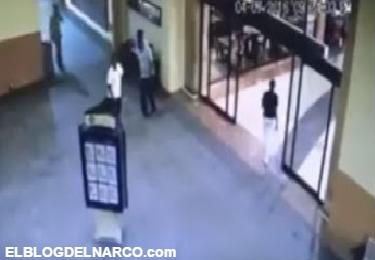 Videos de sujeto acribillado en Cinépolis de La Paz, B.C.S