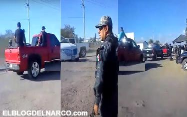 VÍDEO:  Si la bronca no es con nosotros Convoy de hombres armados pasan burlándose frente a reten de PF.