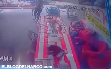 Vídeo, Mujer herida persigue con una 5.7 Matapolicías al sicario que ejecutó a su acompañante en León