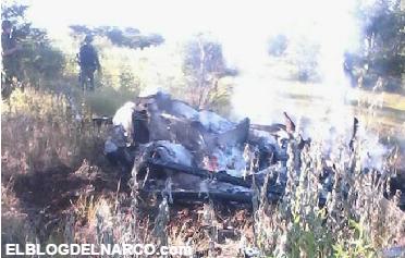 Fotos del helicóptero derribado con policías fallecidos por Caballeros Templarios en Michoacán
